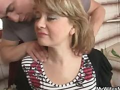 Zhena ushla i on trahnul ee mamu
