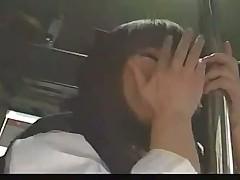 Японочку Хитоми Танаку отымели и обкончали всем вагоном