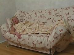 Блондинистая зрелая русская дама