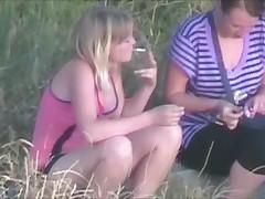 Piknik dvuh devochek