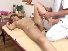 Aziatskij massazh vozbuzhdaet