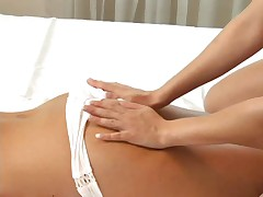Kajla soblaznjaet Pumu na massazhe
