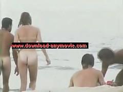 Na pljazhah Evropy - topless i obnazhenka