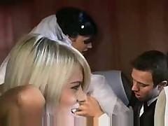 Шикарное порно с невестой и ее подружкой