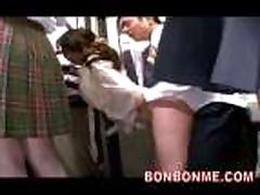Japonochku trahnuli vo vse shheli v avtobuse