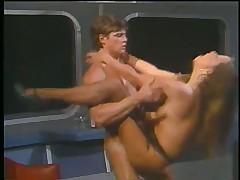 Секс в вагоне ресторане