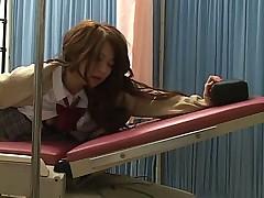 Врач жестко ебет свою пациентку