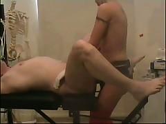 Мужика трахнули на гинекологическом кресле